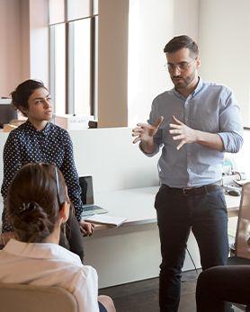 Kişisel Gelişim ve Yönetim Geliştirme Eğitimleri